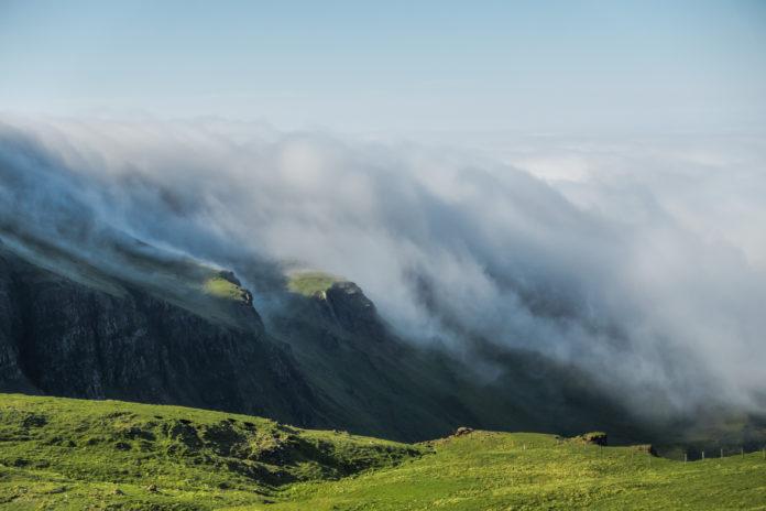 Wolkenwasserfall bei The Storr