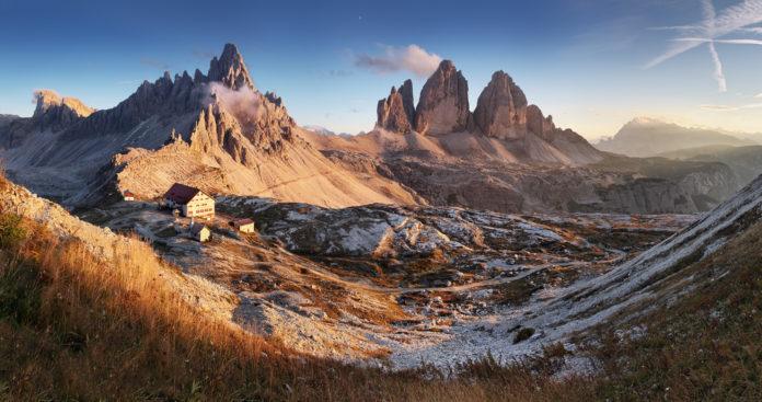 Panoramaaufnahme von den Drei Zinnen in Südtirol