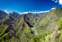 Die grünen Berge auf La Réunion