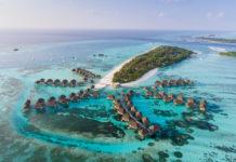 Luxusressort auf den Malediven von oben