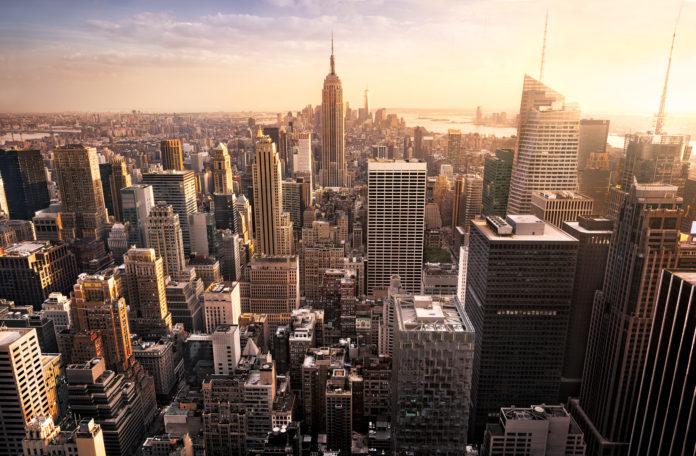 New York City Skyline bei Sonnenuntergang