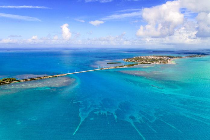 Luftaufnahme des Overseas Highway in Florida
