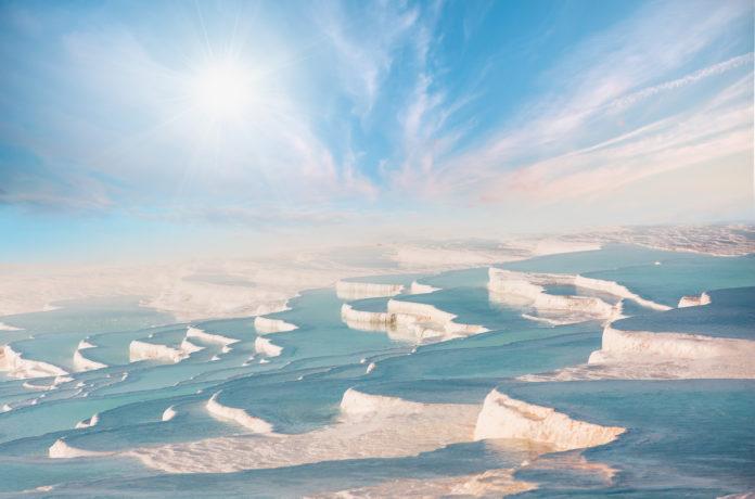 Die Salzpools in Pamukkale am Nachmittag