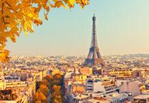 Paris im Herbst mit dem Eiffelturm