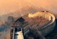 Die chinesische Mauer bei Sonnenuntergang