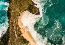 Nusa Penida von oben mit einer Drohne fotografiert