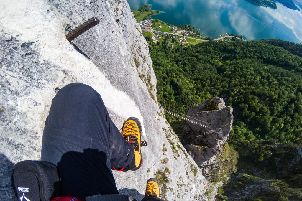 Hänebrücke im Drachenwand Klettersteig von oben