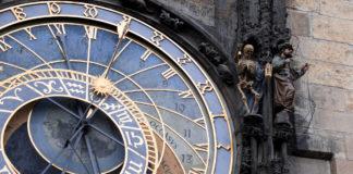 Detail der Rathausuhr in Prag